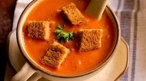 Ντοµατόσουπα βελουτέ µε γιαούρτι