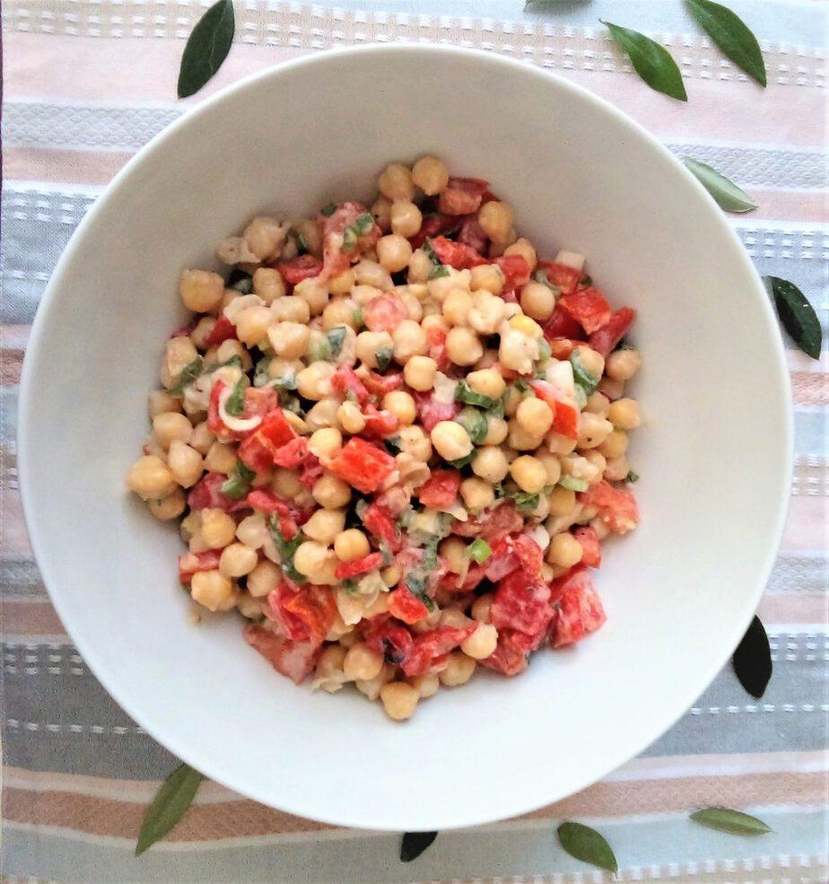 Ρεβίθια σαλάτα με ταχίνι