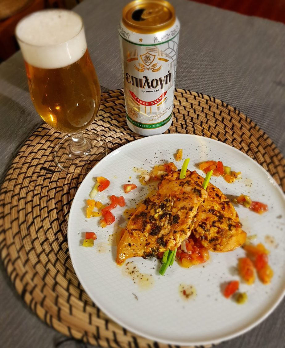 Κοτόπουλο σε μπύρα με κρύα σάλτσα λαχανικών